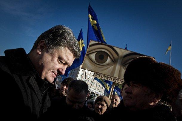 Кандидат в президенты Украины Петр Порошенко на Площади Независимости в Киеве