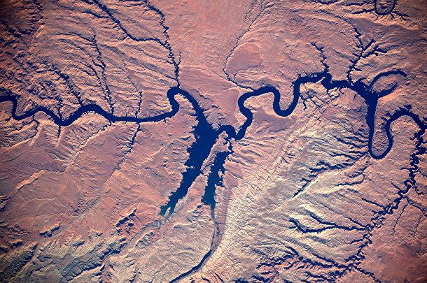 Вид из космоса на реку Колорадо, США