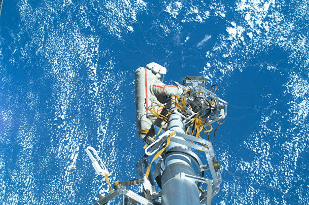Выход космонавтов в открытый космос