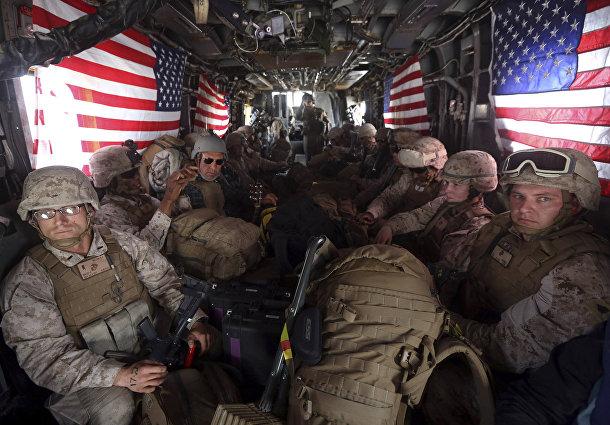Американские солдаты покидают военную базу в Кандагаре