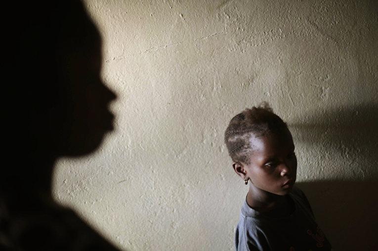 Миаму Сарьон, чьи мать, бабушка и два дяди умерли от лихорадки Эбола