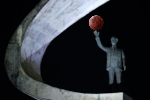 Лунное затмение над Бразилией