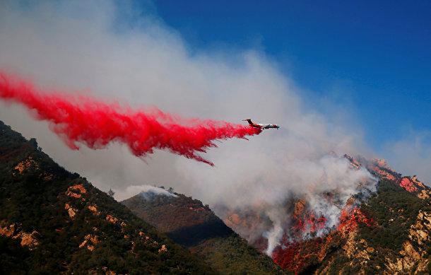 Тушение лесных пожаров в Малибу, Калифорния