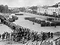 Англо-французские оккупационные войска во время парада на Соборной площади