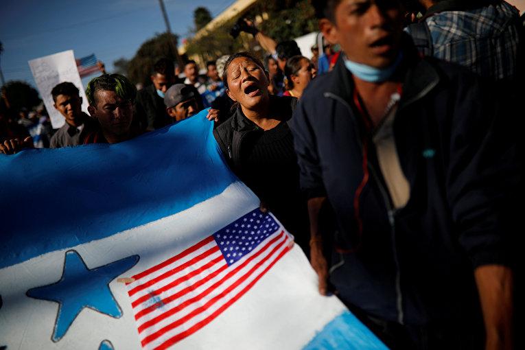 Акция протеста мигрантов в Тихуане, Мексика