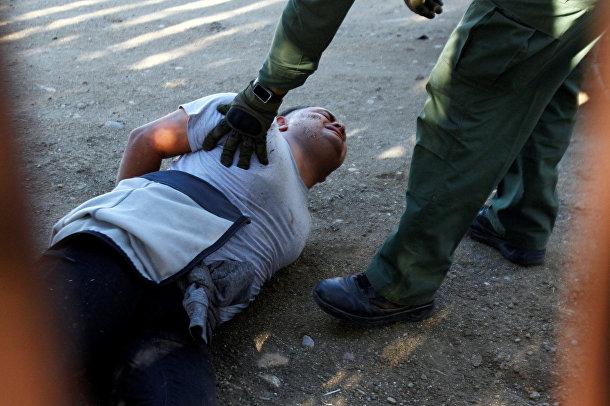 Полиция задержала одного из мигрантов, незаконно пересекшего границу