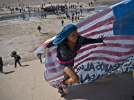 Мигранты на границе в Тихуане