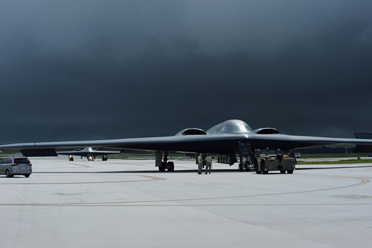 Американский бомбардировщик-невидимка Б-2