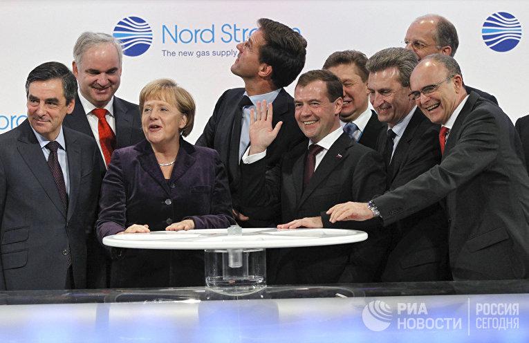 """Д.Медведев на церемонии пуска трубопровода """"Северный поток"""""""