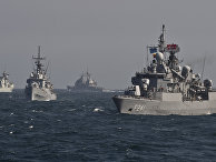 Военные корабли NATO во время военных учений в Черном море