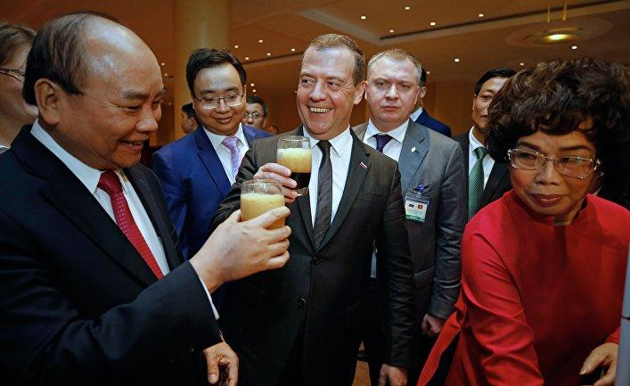 Официальный визит премьер-министра РФ Д. Медведева во Вьетнам