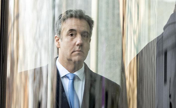 Майкл Коэн, бывший адвокат президента США Дональда Трампа в здание суда в Нью-Йорке