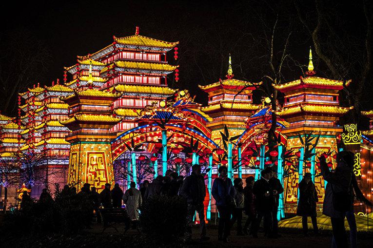 Фестиваль фонарей во французском городе Гайяке