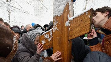 Акция прихожан УПЦ МП против Объединительного собора на Украине