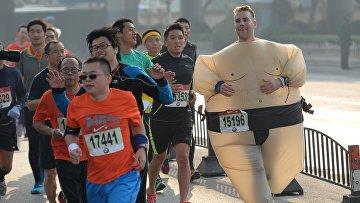 Участники марафона в Шанхае