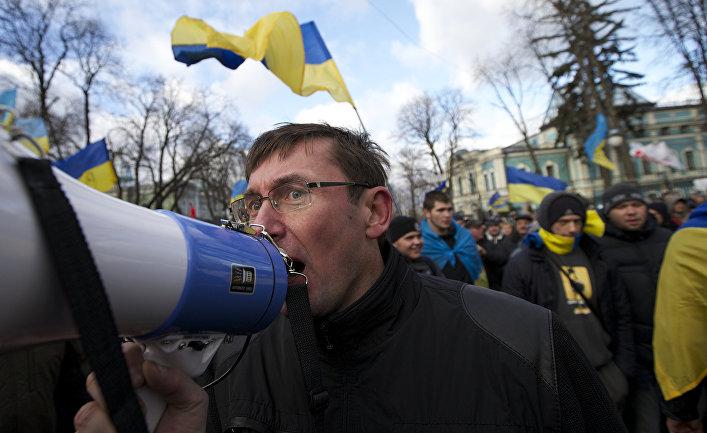 Юрий Луценко во время уличных протестов в Киеве в декабре 2013 года
