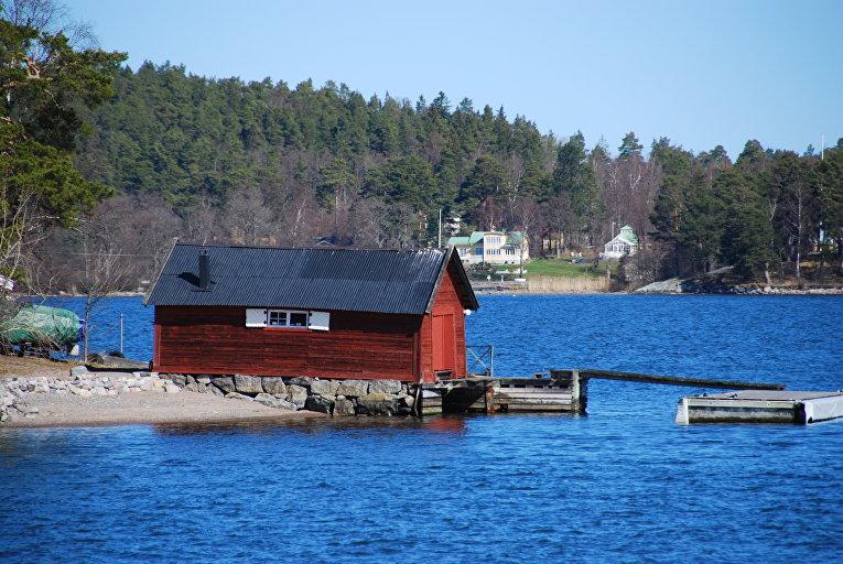 Лодочный сарай на берегу одного из островов Стокгольмского архипелага