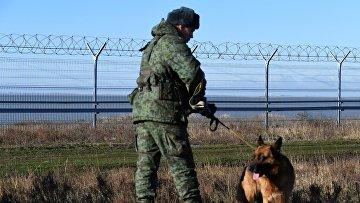 В Крыму построили заграждение на границе с Украиной