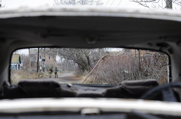 Украинские солдаты в небольшом городе Широкино