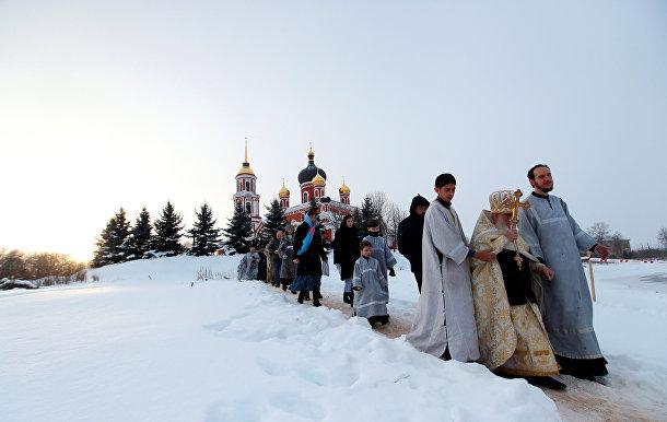 Религиозная процессия в Старой Руссе