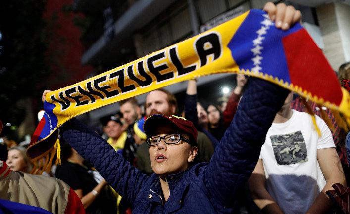 Акция в поддержку лидера оппозиции Венесуэлы Хуана Гуайдо возле посольства Венесуэлы в МеÑико