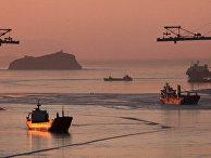 Судоходство в заливе Петра Великого в зимних условиях