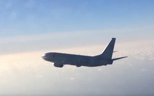 Су-27 перехватил самолет-разведчик США
