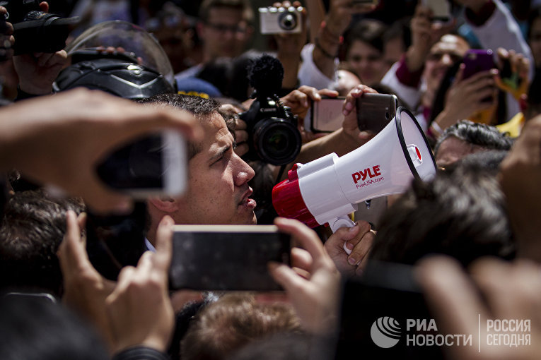 Спикер парламента Венесуэлы и лидер оппозиции Хуан Гуайдо
