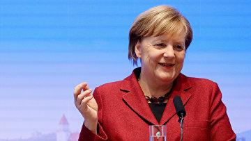 Ангела Меркель на встрече стран Вышеградской группы в Братиславе