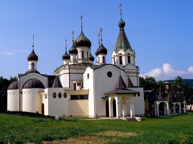 Собор Александра Невского в Прешове, местонахождение кафедры предстоятеля
