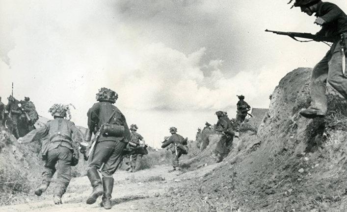 Солдаты Голубой дивизии в битве под Ленинградом в 1943 году
