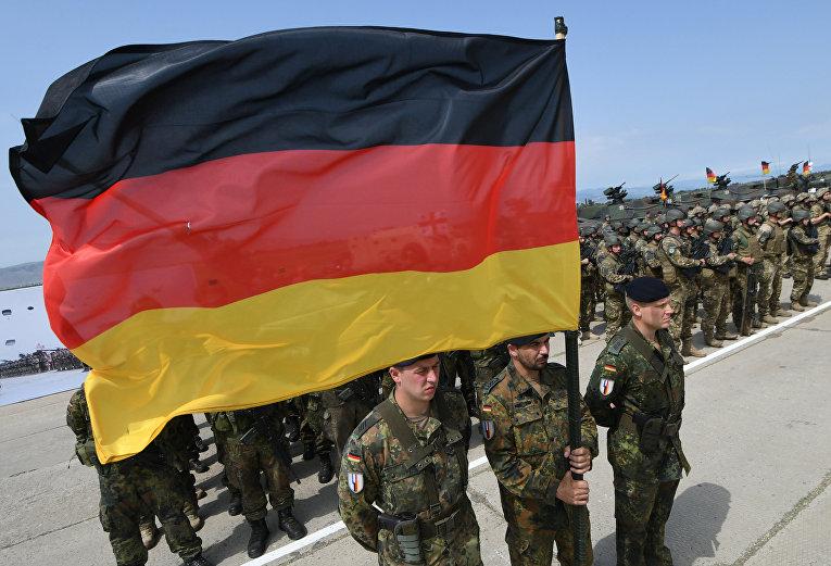 Немецкий солдаты во время военных учений в Грузии