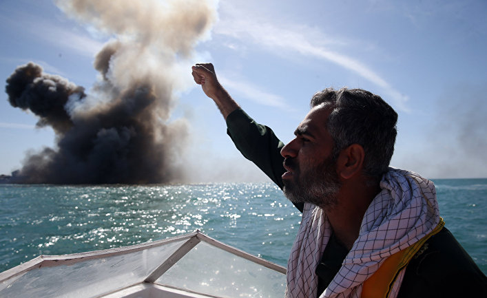 Военные учения в Ормузском проливе на юге Ирана