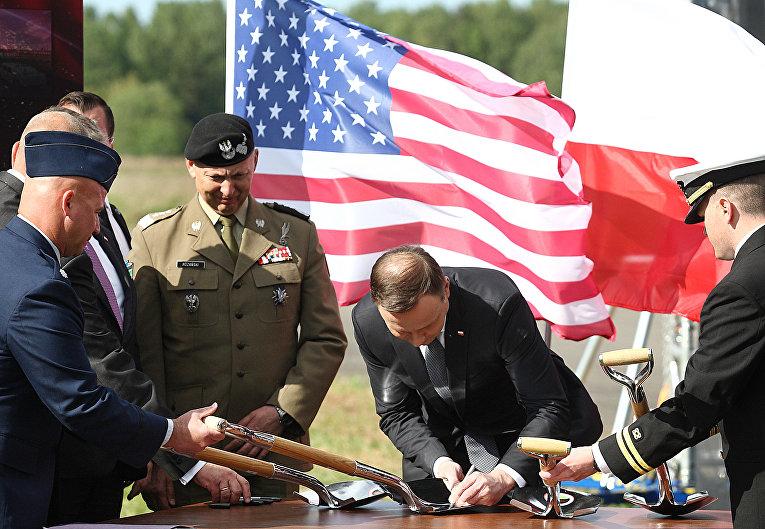 Президент Польши Анджей Дуда во время церемонии на базе в Редзиково, Польша