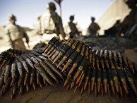 Американские солдаты на стрельбище в лагере Таджи, Ирак