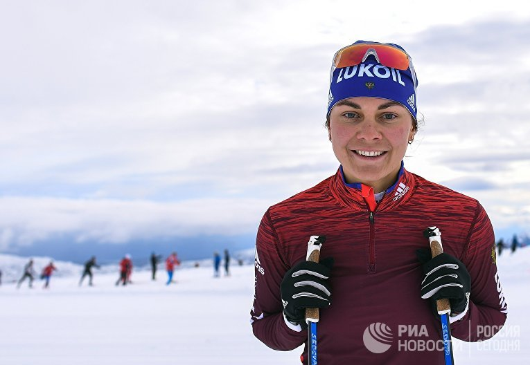 Российская лыжница Анастасия Седова на тренировке