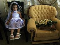 Молодая невеста во время церемонии в городе Эйн-Геди
