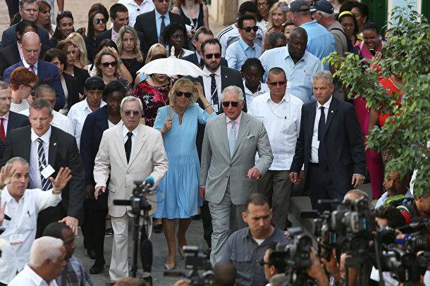 Принц Чарльз и Камилла, герцогиня Корнуольская во время экскурсии по Старой Гаване