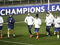 """Игроки """"Шальке""""во время тренировки в Манчестере, Англия"""