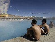 Китайские туристы купаются в Тибете