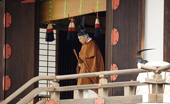 Император Акихито на исторической церемонии перед официальным отречением в Токио, Япония