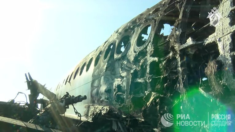 Следственные действия на месте аварийной посадки самолёта в аэропорту Шереметьево