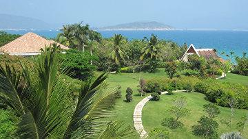 Курортные места в районе города Санья на китайском острове Хайнань.