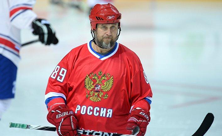 Хоккеист Александр Могильный