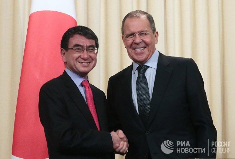 Встреча глав МИД РФ и Японии С. Лаврова и Т. Коно