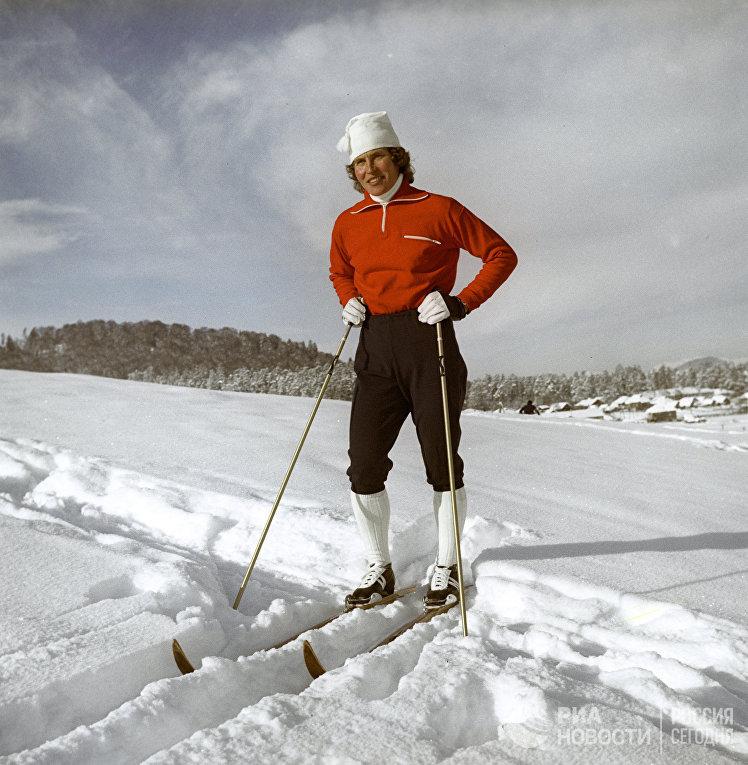 Галина Алексеевна Кулакова - многократная чемпионка СССР по лыжным гонкам