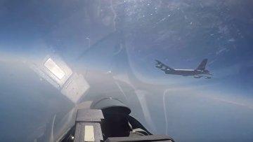 Су-27 осуществил перехват Б-52