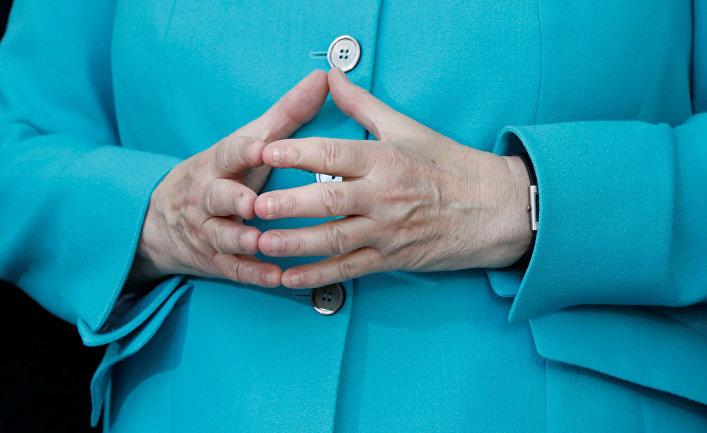 Любимая поза канцлера Германии Ангелы Меркель