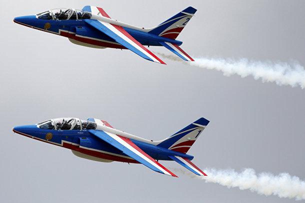 Тренировочный полет французских ВВС накануне открытия авиасалона