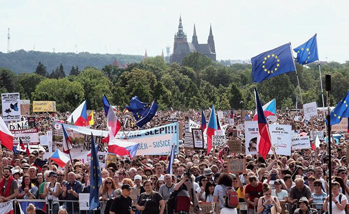 Акция в Праге против премьер-министра А. Бабиша